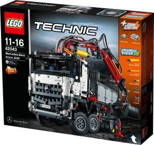 Ab 1. August 2015 ist der LEGO Technic Mercedes-Benz Arocs 3245 Kipper im Handel erhältlich