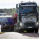 Volvo I-Shift new Crawler up to 325 ton!
