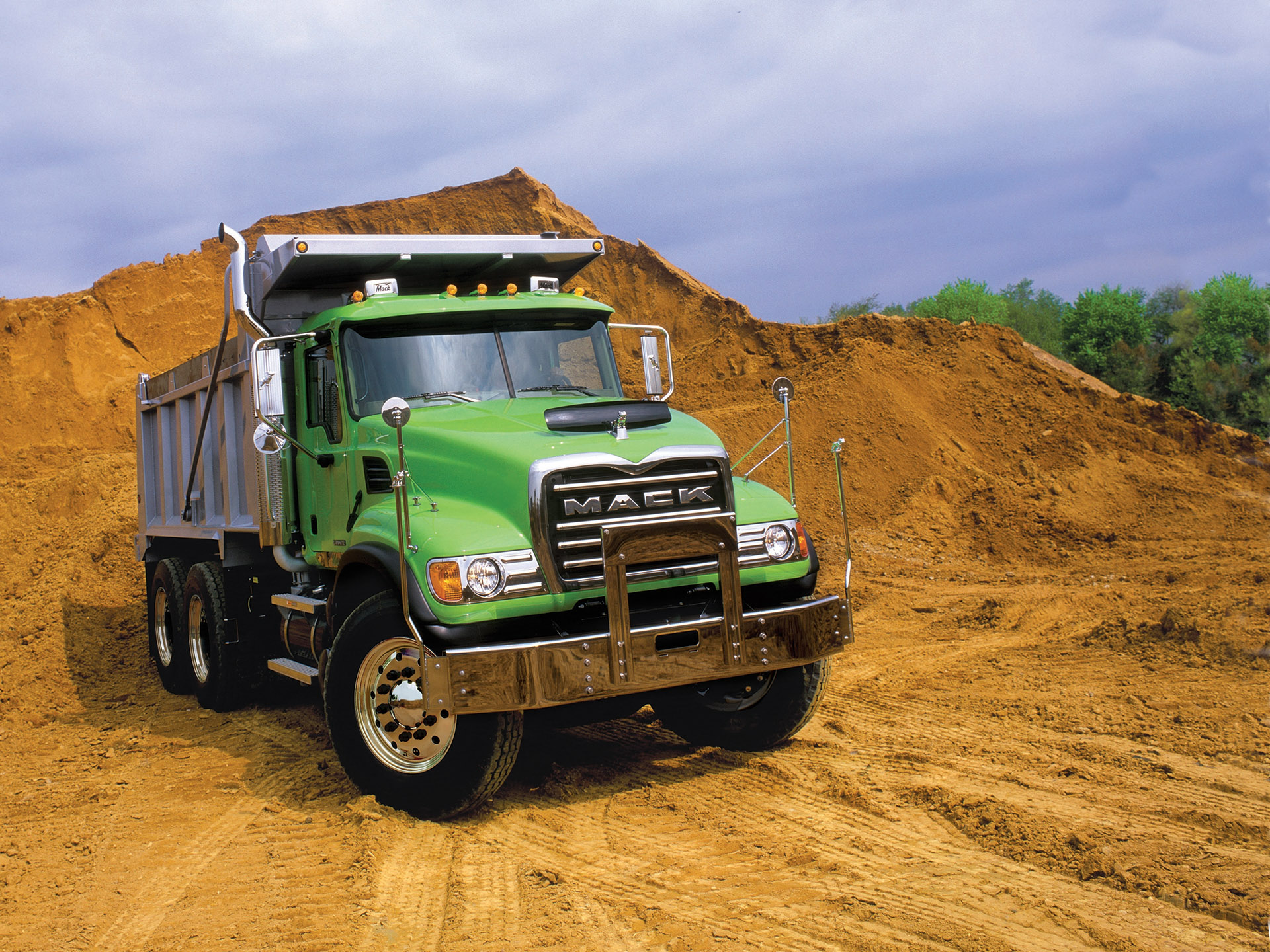 2017 Ford F450 Dump Truck >> Mack Granite: standard with Crawler mDRIVE – I-Shift – Iepieleaks