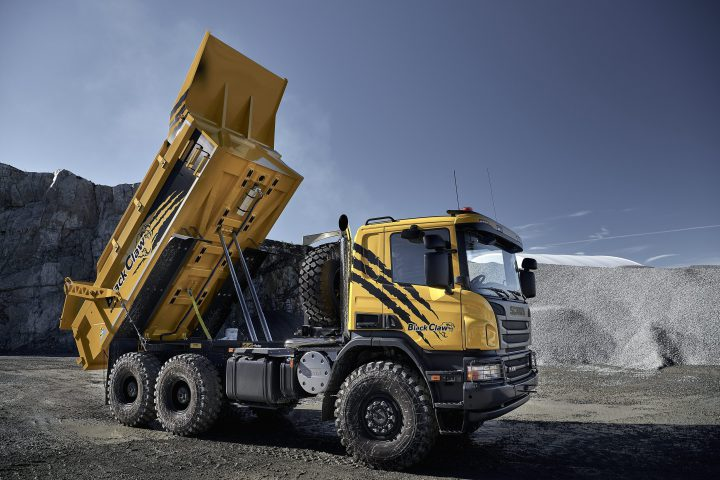 Claw on Volvo Truck Cab And Chassis