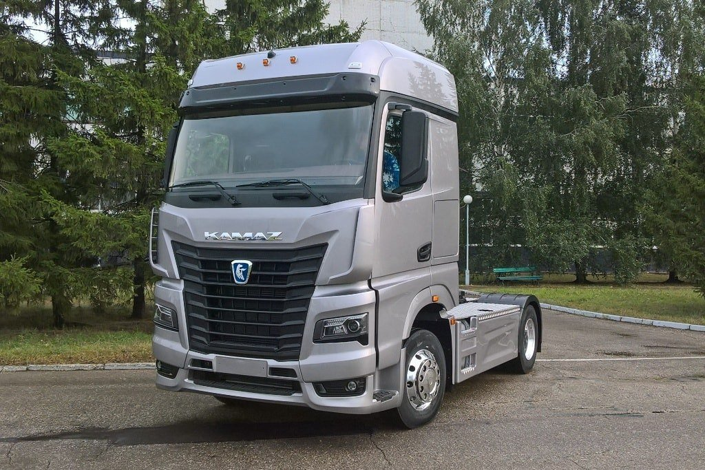 2016 Ford Trucks >> Kamaz with Actros cab. – Iepieleaks